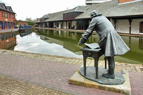 Coventry Basin and Brindley statue