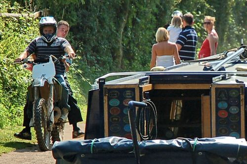 Atherstone towpath bikes 2