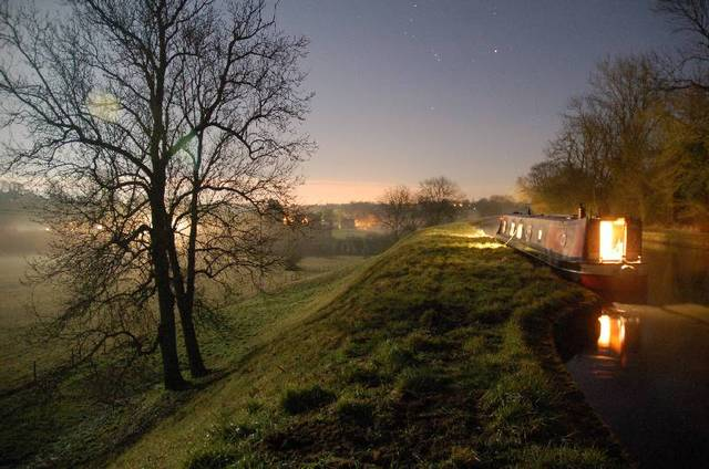 Rowington embankment canal photo